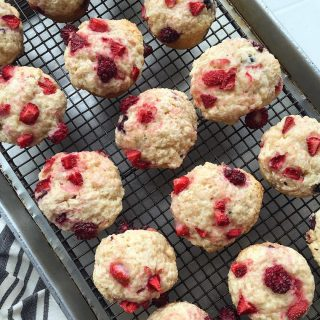 How delicious do these muffins look from bakingamoment?! Allie Ihellip