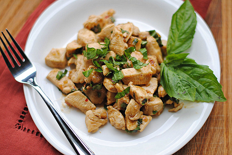 http://www.eat-yourself-skinny.com/2012/04/spicy-basil-chicken.html