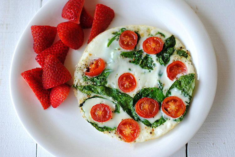 Eat Yourself Skinny » Spinach and Egg White Omelet