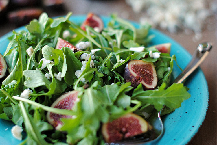 Eat Yourself Skinny » Arugula, Fig & Blue Cheese Salad