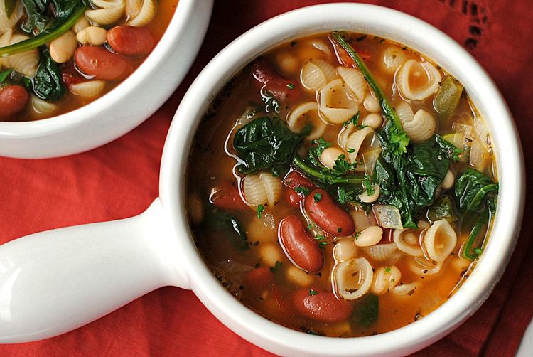 Eat Yourself Skinny Olive Garden Inspired Minestrone Soup