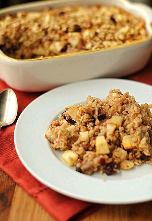 ... www.eat-yourself-skinny.com/2012/12/apple-cinnamon-baked-oatmeal.html