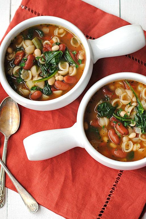 Eat yourself skinny olive garden inspired minestrone soup for Minestrone soup olive garden recipe