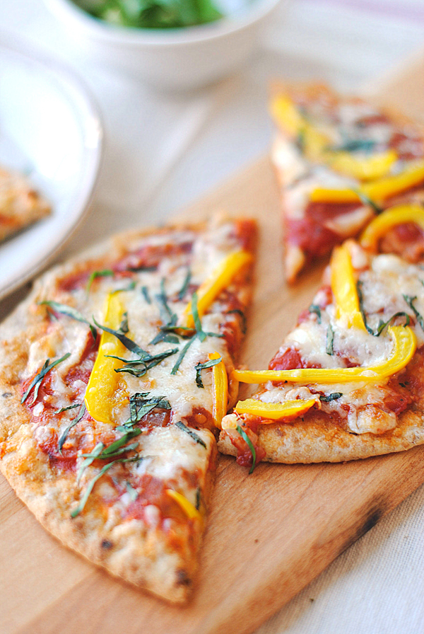 Whole wheat pita bread pizza eat yourself skinny whole wheat pita bread pizza solutioingenieria Image collections