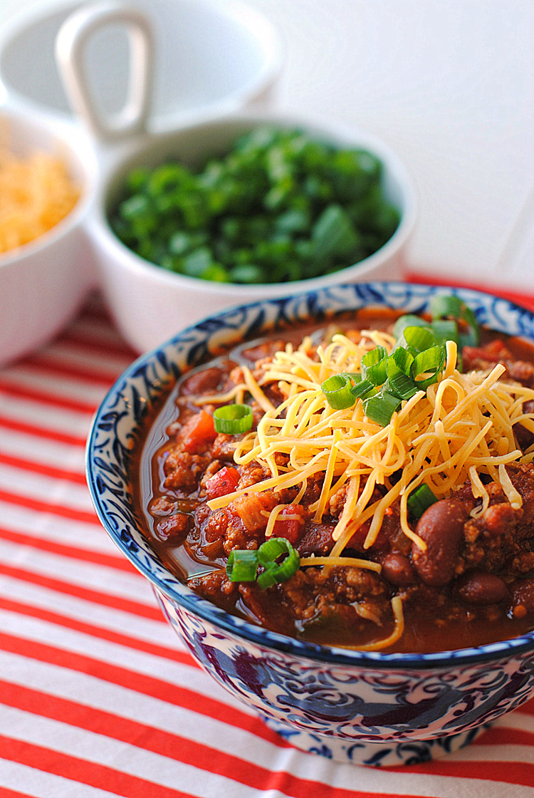 The Best Turkey Chili EVER! | Eat Yourself Skinny #cleaneating