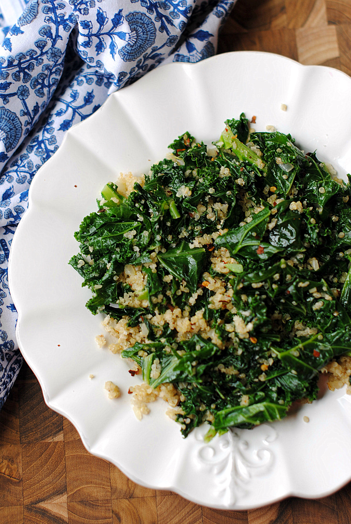 {Healthy} Sauteed Kale and Quinoa Skillet | Eat Yourself Skinny