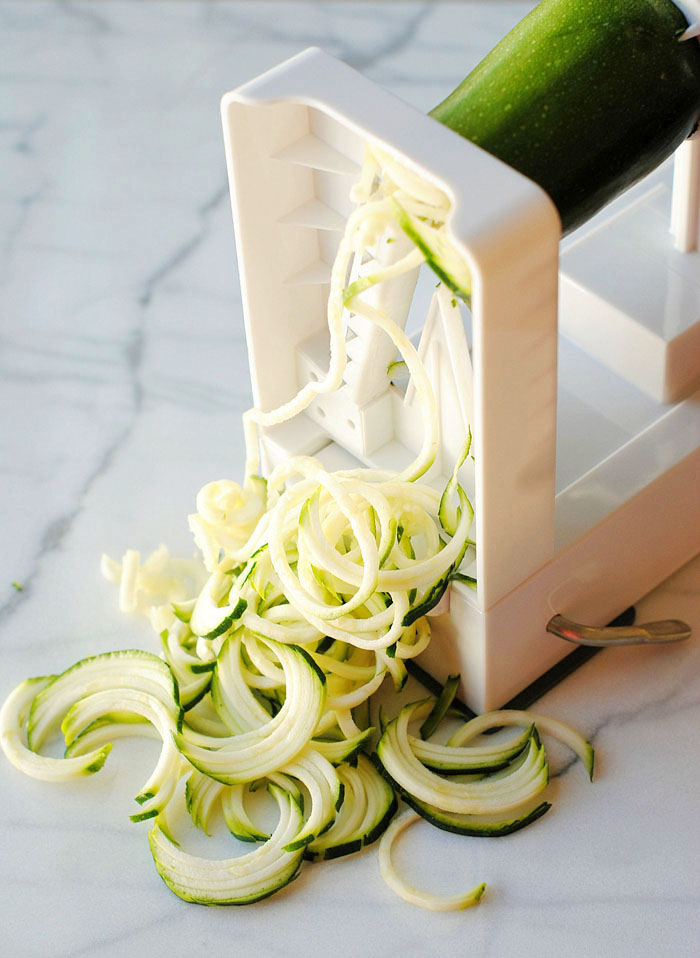 Lemon-Garlic Zucchini Noodles | Eat Yourself Skinny