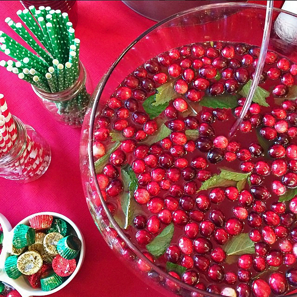 Holiday Cranberry Mint Punch | Eat Yourself Skinny