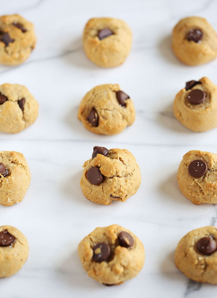 Healthy Chocolate Chip Cookies | eat-yourself-skinny.com
