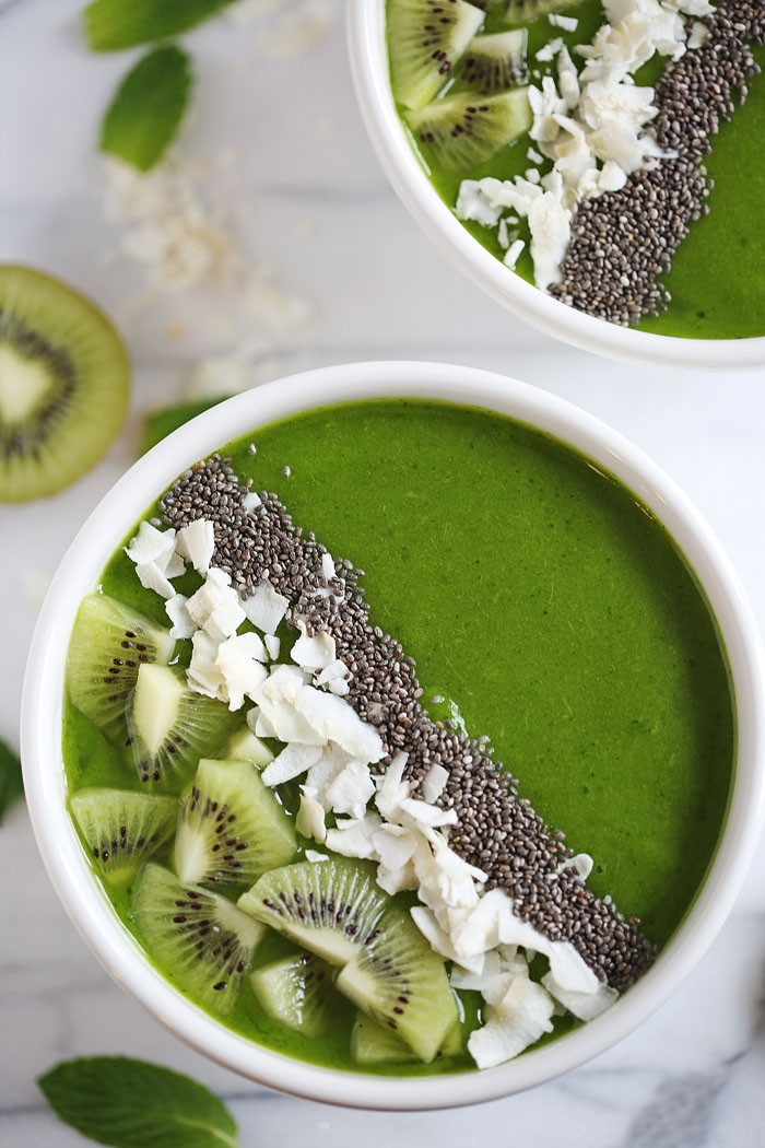 Tropical Green Smoothie Bowl - eat-yourself-skinny.com