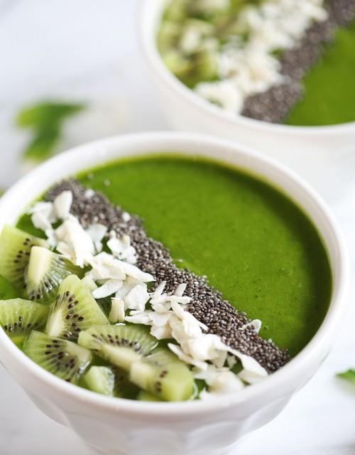 Tropical Green Smoothie Bowl - eat-yourself-skinny.com