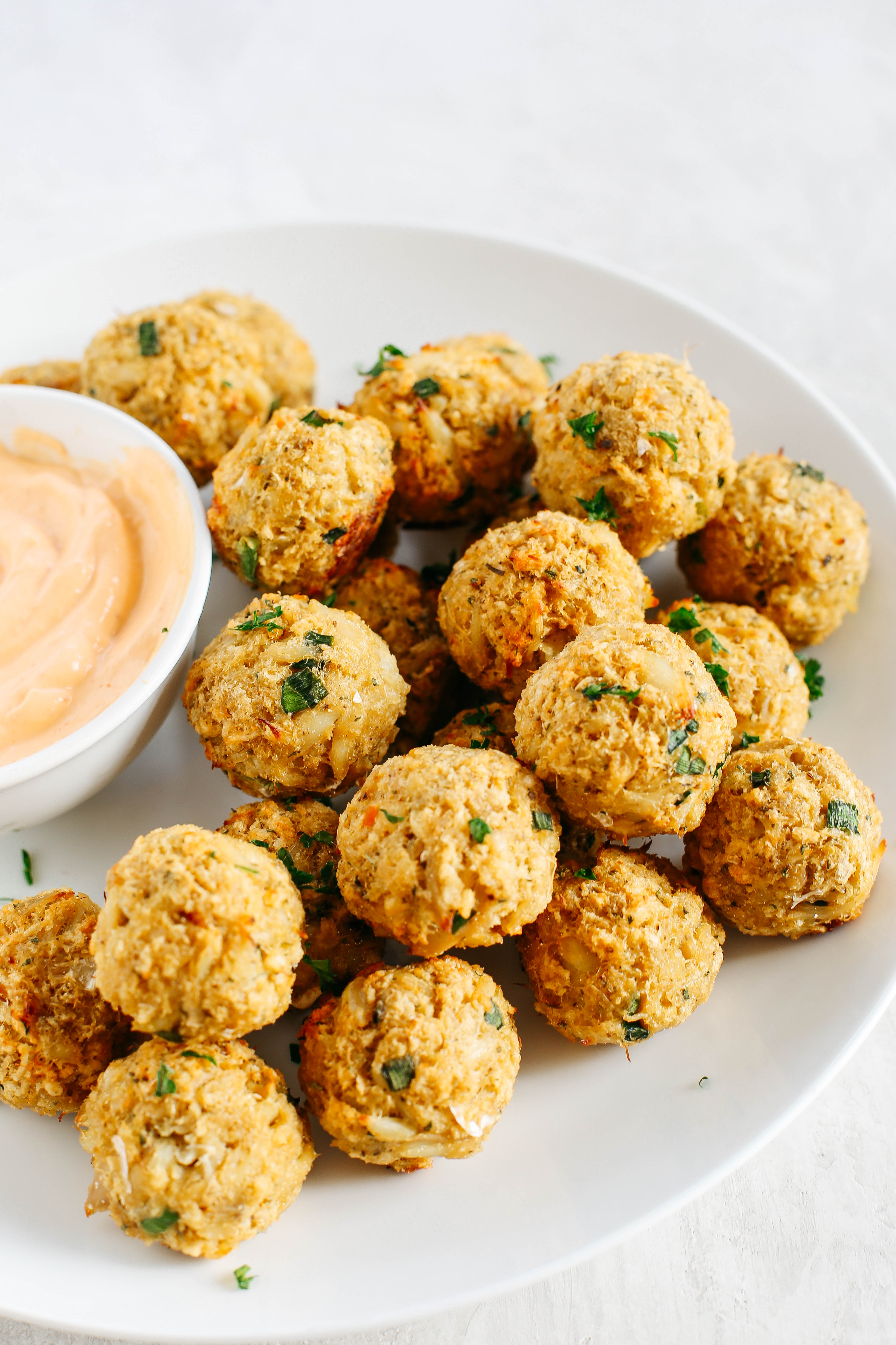 Baked Crab Cake Balls with Sriracha Dipping Sauce