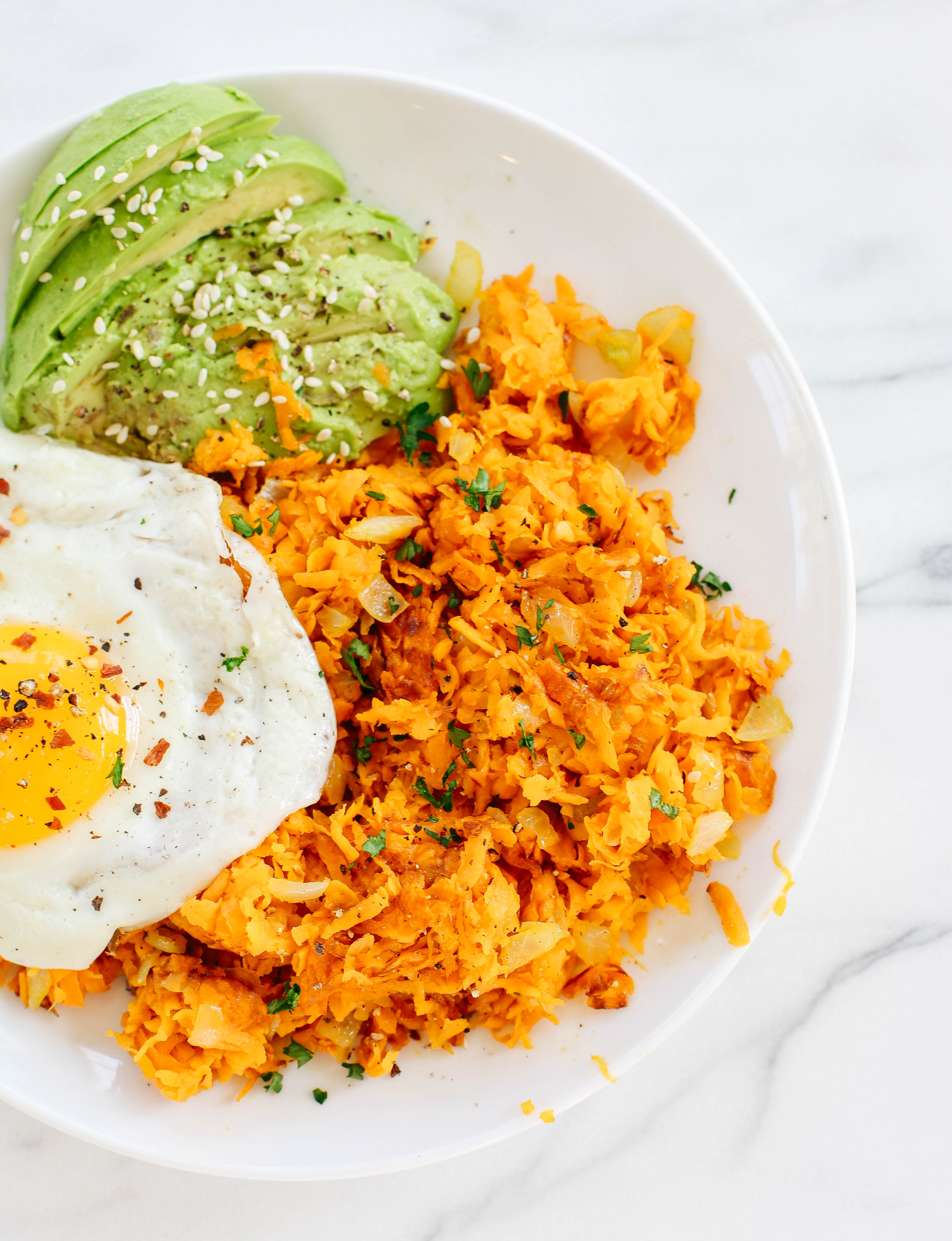 Win at breakfast with these quick and easy Sweet Potato Hashbrowns that are seasoned to perfection with cinnamon and chili powder for a delicious sweet and spicy combo!