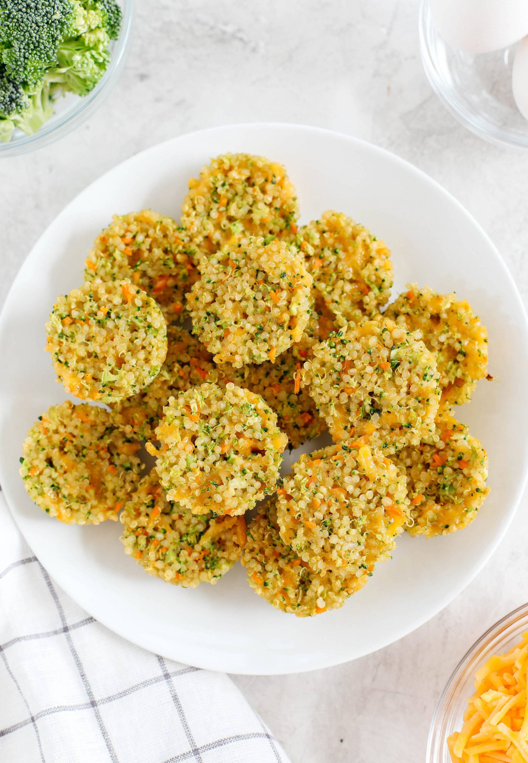Bite-sized Cheesy Broccoli Quinoa Bites perfect for babies, toddlers and kids that are healthy, packed with protein and easily made with only 5 simple ingredients!