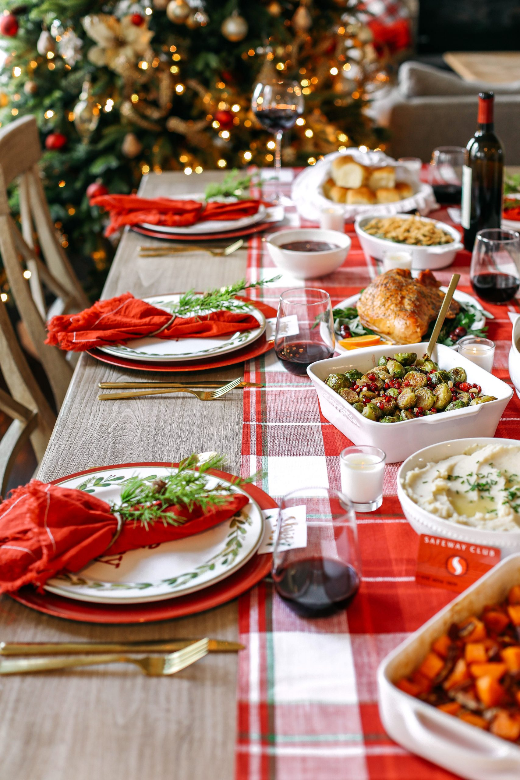 Celebrate the season and create lasting memories by a hosting a small holiday gathering this Christmas with classic dishes your family is sure to enjoy!